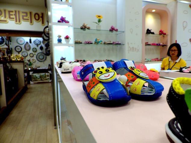 Teeny shoes